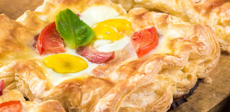 Francuskie kwadraty z jajkiem