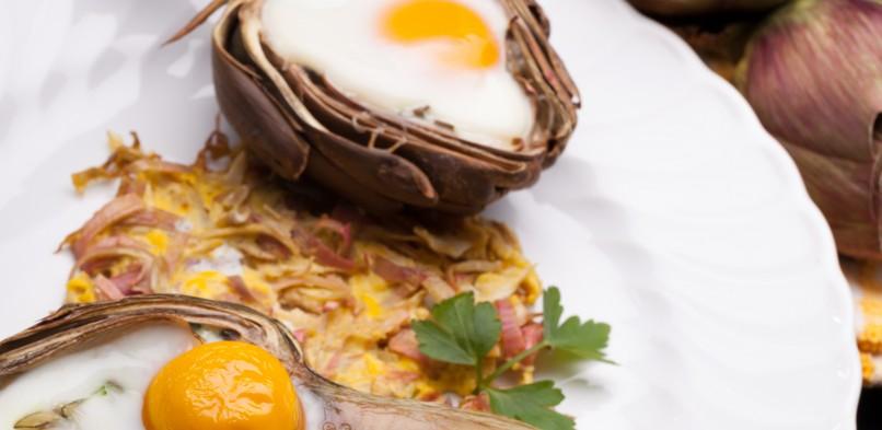 Jajka zapiekane w karczochach