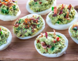 Jajka nadziewane awokado
