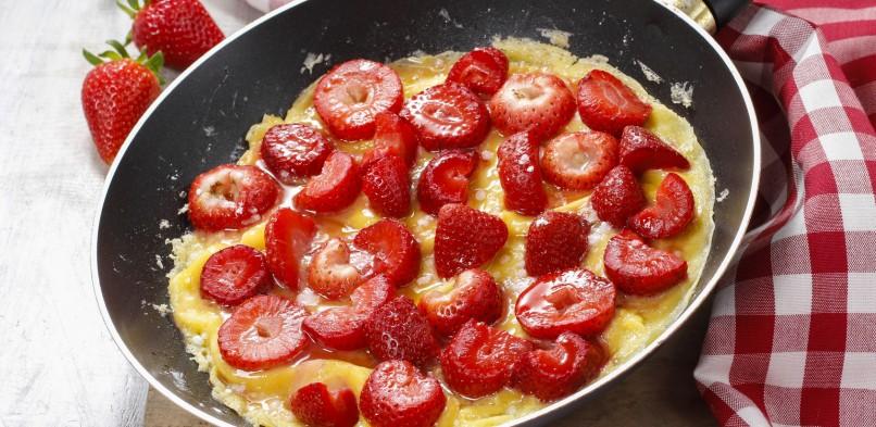 Omlet z truskawkami